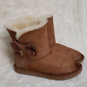 UGG Daelynn Bow boot